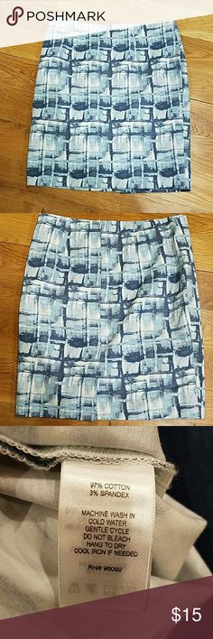 """Dalia pencil skirt Size 8, length is 20"""", waist is 32"""". Skirt is super cute and in great condition. dalia Skirts Pencil"""