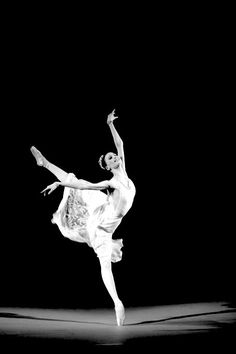 My life = BALLET! My favorite/most inspiring ballet dancers: Maria. Ballet Photos, Dance Photos, Dance Pictures, Ballroom Dance Quotes, Ballroom Dancing, Svetlana Zakharova, Dance Like No One Is Watching, Shall We Dance, Ballet Photography