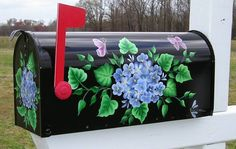 Beautifully Hand Painted Mailboxes from Bick-Lane Creations. Custom Orders Welcome! Mirrored Bedroom Furniture, Metal Patio Furniture, Hand Painted Furniture, Furniture Ideas, Unique Mailboxes, Painted Mailboxes, One Stroke Painting, Tole Painting, Diy Mailbox