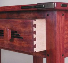 Create a variety of traditional-looking Greene & Greene furniture designs! #woodworking #DIY