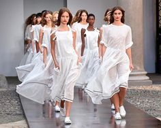 The finale at Philosophy di Lorenzo Serafini (@philosophyofficial)  the dramatic end to a show that fused the 90s with romance. . ( Rex) . #mfw #philosophy #philosophydilorenzoserafini  via MARIE CLAIRE UK MAGAZINE OFFICIAL INSTAGRAM - Celebrity  Fashion  Haute Couture  Advertising  Culture  Beauty  Editorial Photography  Magazine Covers  Supermodels  Runway Models