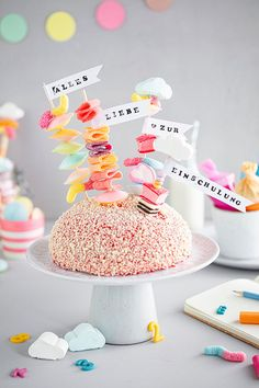 Crisco Recipes, Cooking Measurements, Cupcake Toppers, Cake Decorating, Food And Drink, First Day Of School, Birthday Cake, Candy, Balloons