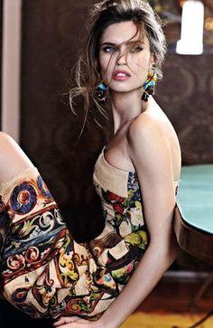 naimabarcelona:  Bianca Balti for YO DONA, June 2013