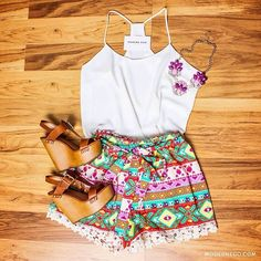 Inspire-se: Looks para Lollapalooza - WePick Looks Lollapalooza, Spring Summer Fashion, Spring Outfits, Neutral Blouses, Teen Fashion, Fashion Outfits, Fashion Ideas, Teenager Fashion, Casual Outfits