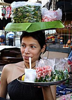 El Salvador - vendedora de paternas - comida local