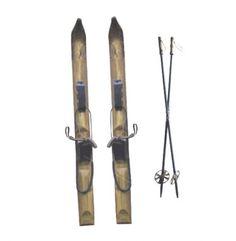 skis et bâtons bois décoratif