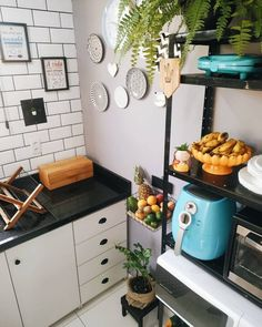 Home Decor Kitchen, Home Kitchens, Kitchen Dining, Green Kitchen, Kitchen Storage, My Dream Home, Home Projects, Sweet Home, New Homes