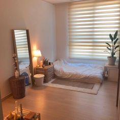 Korean Bedroom Ideas, Room Ideas Bedroom, Small Room Bedroom, Home Decor Bedroom, Study Room Decor, Minimalist Bedroom Small, Small Modern Bedroom, Small Room Design, Aesthetic Room Decor