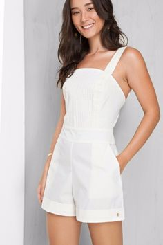 Swans Style is the top online fashion store for women. Shop sexy club dresses, jeans, shoes, bodysuits, skirts and more. 80s Fashion, Fashion Pants, Daily Fashion, Fashion Outfits, Next Clothes, Clothes For Women, Best Prom Dresses, Crop Top Outfits, Cute Summer Outfits