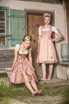 Trentin Dirndl bei www.trachtenheimat.de Folklore, Dirndl Dress, German Women, Dress With Cardigan, Traditional Dresses, Bride Hairstyles, Flower Girl Dresses, Beautiful Women Pictures, Most Beautiful Women