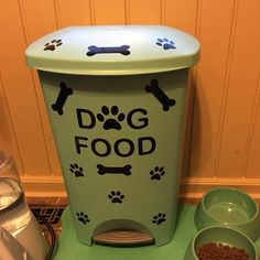 I made myself an awesome dog food container! #dogfood #container