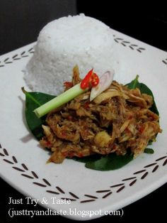Just Try & Taste: Ayam Suwir Pedas ala Bali Indonesian Chicken Recipe, Indonesian Cuisine, Indonesian Recipes, Malay Food, Asian Kitchen, Malaysian Food, Daily Meals, Food Presentation, Asian Recipes