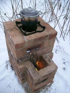 Rocket Stoves are very efficient wood-burning devices that generally use a J shape design for the combustion unit to achieve high temperatures and clean burn. The heat generated can be piped throug… Mehr Next Post Previous Post Rocket Stoves & Earth Ove Outdoor Kocher, Outdoor Stove, Fall Planters, Rocket Stoves, Homestead Survival, Survival Life, Survival Gear, Outdoor Cooking, Outdoor Kitchens