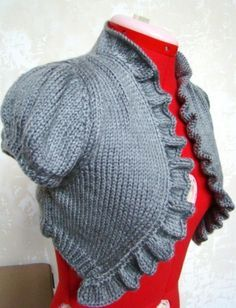 Quick to knit bolero with ruffled edging. Free pattern.
