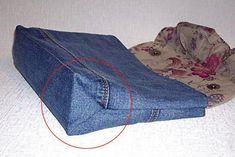 Simple Step to Step Jeans Bag Tutorial. Artisanats Denim, Denim And Co, Denim Fabric, Jean Crafts, Denim Crafts, Japanese Sewing Patterns, Bag Patterns To Sew, Tod Bag, Tattoos Motive