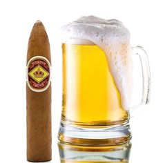 It's #nationalbeerday, what beer are you having with your Diamond Crown #cigar today?