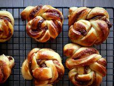 Sukkerfrie salt karamell-snurrer Pretzel Bites, Doughnut, Salt, Food And Drink, Baking, Desserts, Cakes, Recipe, Blogging