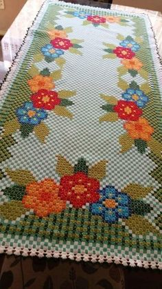 Granny Square Crochet Afghan blanket, handmade blanket with rose desing for double bed, King size bed throw blanket Cross Stitch Borders, Cross Stitch Designs, Beaded Embroidery, Hand Embroidery, Bordado Tipo Chicken Scratch, Chicken Scratch Embroidery, Mini Album Tutorial, Girl Scout Crafts, Quilting