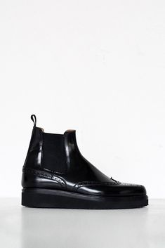 Smooth Leather Wingtip Boot - Black