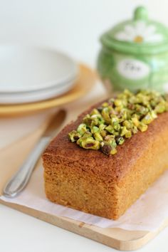 The Little Teochew: Singapore Home Cooking: Almond & Pistachio Cake
