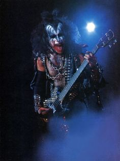 Gene Simmons, 1977 Kiss Images, Kiss Pictures, Kiss Group, Gene Simmons Kiss, Vinnie Vincent, Vintage Kiss, Eric Carr, Peter Criss, Kiss Photo