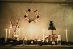 Winter rustic wedding with cotton, cinnamon and cones. Photobooth. Floristic and decor by Fleur de vanille, Moscow.