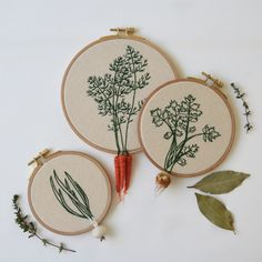Set of three hand made embroidery hoops.Designed with felt celery, carrots, and onion.The diameter of hoops are 4.1 inches (onion), 4.9 inches (celery), 6.1 inches (carrots).The items are MADE TO ORDER. It will be prepared and shipped around 25 DAYS after the order is received.