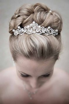 Polished woven bun finished with a tiara~ STUNNING! Polished woven bun finished with a tiara~ STUNNI Bridal Hair Updo, Wedding Hair And Makeup, Wedding Updo, Hair Makeup, Wedding Tiara Veil, Bride Hairstyles, Trendy Hairstyles, Wedding Tiara Hairstyles, Hairdos
