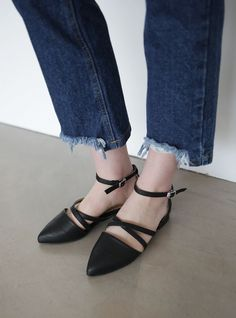 10's trendy style maker 66girls.us! Cross Strap D'Orsay Flats (DGTK) #66girls #kstyle #kfashion #koreanfashion #girlsfashion #teenagegirls #fashionablegirls #dailyoutfit #trendylook #globalshopping