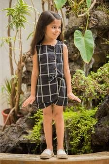 Frock - Buy Latest Designer Kids Frocks for Girls Online White Girl Outfits, Kids Outfits Girls, Girls Dresses, Summer Dresses, Frocks For Girls, Kids Frocks, Black And White Girl, White Girls, Kids Dress Collection