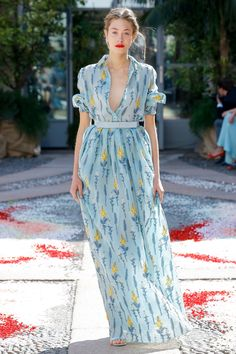 Get inspired and discover Luisa Beccaria trunkshow! Shop the latest Luisa Beccaria collection at Moda Operandi. Fashion 2018, Runway Fashion, High Fashion, Fashion Outfits, Womens Fashion, Fashion Trends, Photoshoot Fashion, Fashion Spring, Milan Fashion