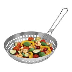 deze pan is een ideale pan om je aardappeltjes of groenten te wokken op de bbq. In het najaar pof je er  kastanjes in. Wok, Kitchen, Cooking, Home Kitchens, Kitchens, Cucina, Cuisine, Room Kitchen