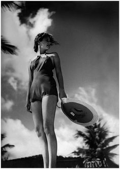 1935 photo taken by American photographer Toni Frissell