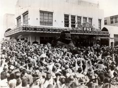 King Kong (1933) A giant bust of the Kong is mobbed by fans at the May 1933 run of KING KONG at the Pomona Fox theater.