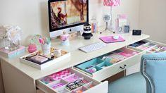 Pink, room, and desk image. Teen Desk, Girl Desk, Teenage Girl Bedrooms, Girls Bedroom, My Room, Girl Room, Boho Bedroom Decor, Bedroom Inspo, Bedroom Ideas