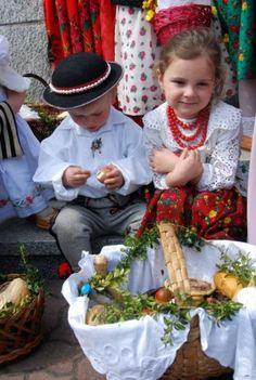 Tourist Attractions - Bialy Dunajec - The most beautiful places in Poland Polish Easter, Polish Folk Art, Costumes Around The World, Christmas Program, Central And Eastern Europe, Art Costume, My Heritage, Ancestry, Folklore