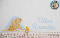 Mais uma toalha fralda saindo...   Bordado inglês e passa fita Círculo   www.circulo.com.br   Pincéis Condor   www.condorpinceis.com.br    ...