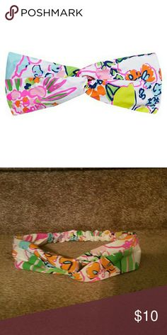 Lilly Pulitzer for Target headband NWOT Never worn Lilly Pulitzer headband.  Great for the pool or beach. Lilly Pulitzer for Target Accessories Hair Accessories