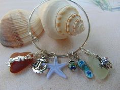 Can't wait to get to the beach? This nautical bracelet will get you ready for your vacation!