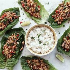 Asiatisk kyckling i salladswrap - Recept - Tasteline.com