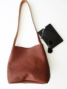 Travel Tote Leather Bags Purses And Satchels Clutches Totes