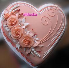 Orange heart By aldoska on CakeCentral.com