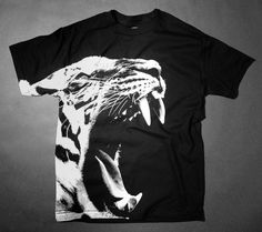 Sabertooth (Black) | UNDER Los Angeles - Awesome T-Shirts at Rumplo