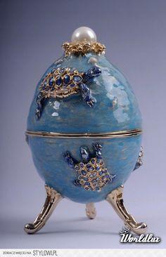 Jajka Fabergé - Są synonimem luksusu i bogactwa. Znane… na Stylowi.pl