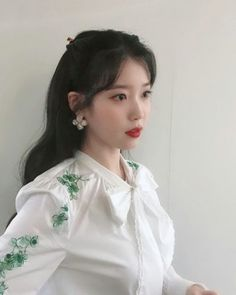 Image about kpop in hotel del luna 🌙 by 🍒 on We Heart It Korean Girl, Asian Girl, Iu Twitter, Kpop Hair, Iu Fashion, Fashion Outfits, Korean Celebrities, Korean Actresses, Hairstyles With Bangs