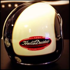 The Harley Davidson brand has a long and rich history, and NOTHING quite compares the that of a Harley Davidson Motorcycle Helmet that fits just right. Biker Helmets, Custom Motorcycle Helmets, Custom Helmets, Motorcycle Clubs, Motorcycle Touring, Harley Davidson Custom Bike, Harley Davidson Helmets, Classic Harley Davidson, Harley Davidson Motorcycles