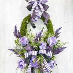How to make gorgeous designer wreaths for your home or business.