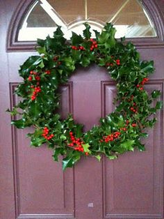 Holly Wreath Christmas Is Over, Christmas 2019, All Things Christmas, Simple Christmas, Christmas Holidays, Christmas Wreaths, Christmas Traditions, Christmas Themes, Christmas Decorations