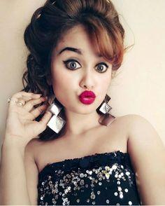 $YEDA QUEEN Cute Girl Poses, Cute Girl Pic, Cute Girls, Cool Girl, Stylish Girls Photos, Stylish Girl Pic, Girl Photos, Indian Wedding Couple Photography, Girl Attitude