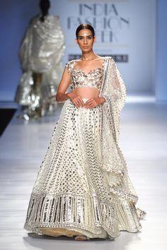 Dabiri by Divya & Ambika at Amazon India Fashion Week autumn winter 2017